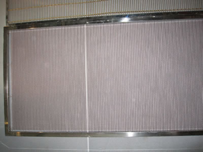 A piece of wire mesh belt is fitted in a stainless steel frame, which is in extremely small aperture.