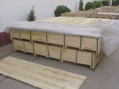 The package of scale mesh curtain is with wooden boxes, and there are several boxes.